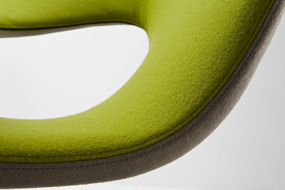 Aleaf by michele franzina and venezia homedesign team for Chaise design eams