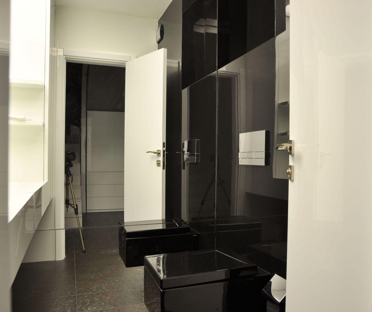 Black & White Bathroom, Apartment Interior by Jovo Bozhinovski