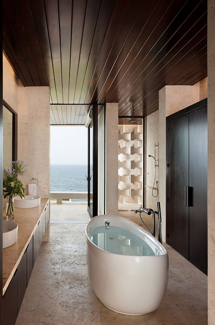 Casa-Kimball-Bathroom