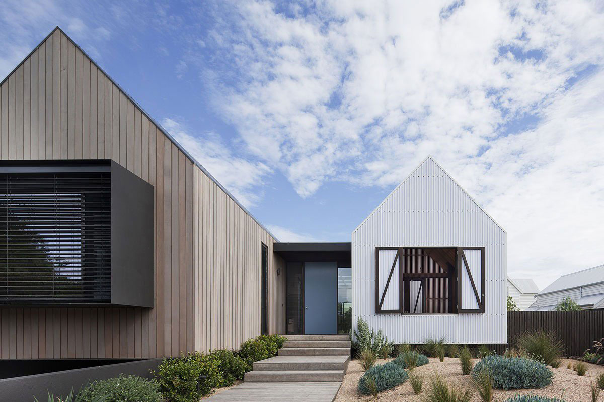 Entrance, Seaview House in Barwon Heads, Australia by Jackson Clements Burrows