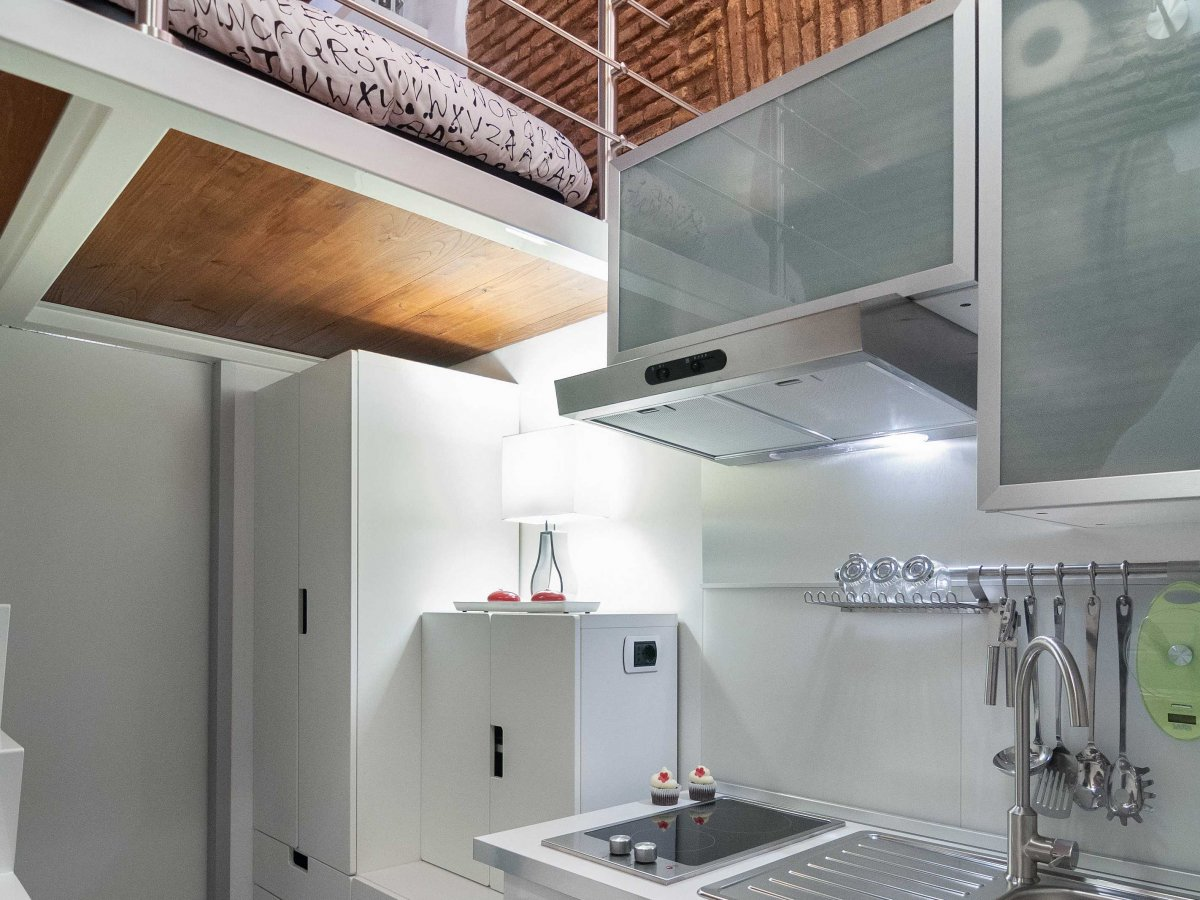 Kitchen, Mezzanine, Tiny House in Rome