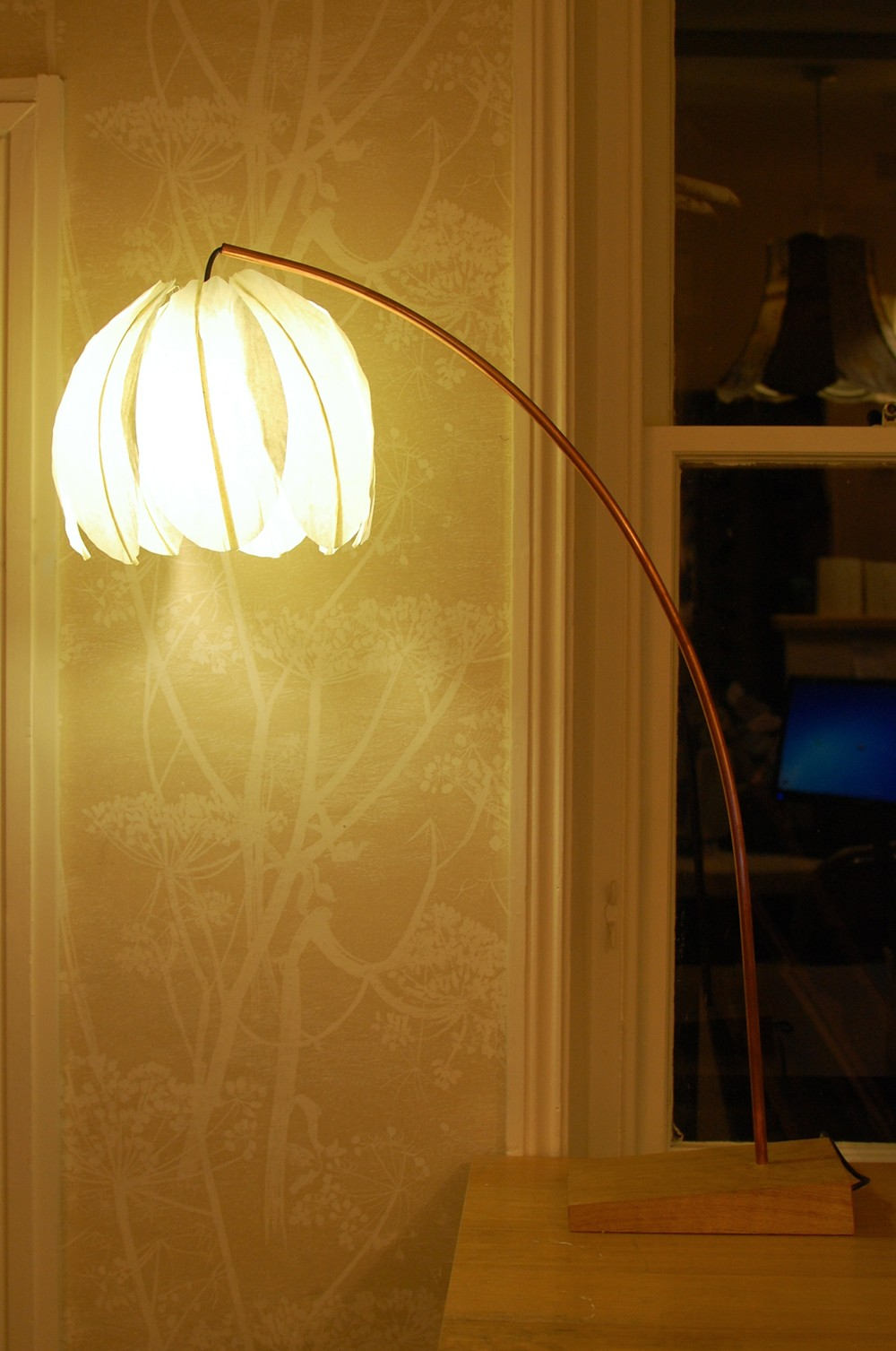 Leaning Kozo Lamp