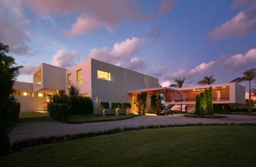 Entrance, Driveway, Contemporary Home in Miami Beach, Florida