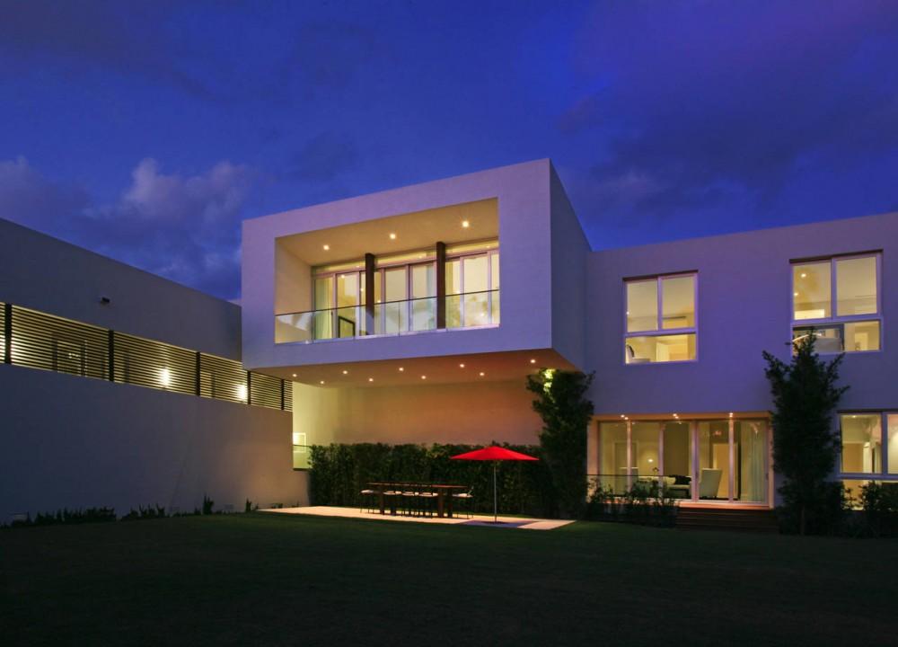 Driveway, Contemporary Home in Miami Beach, Florida