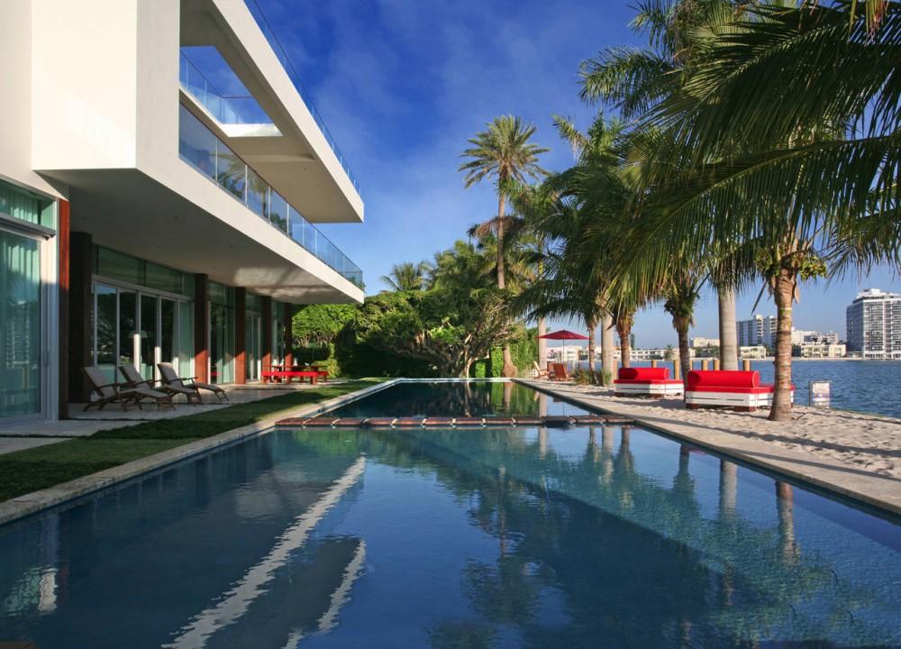 Swimming Pool, Beach, Contemporary Home in Miami Beach, Florida
