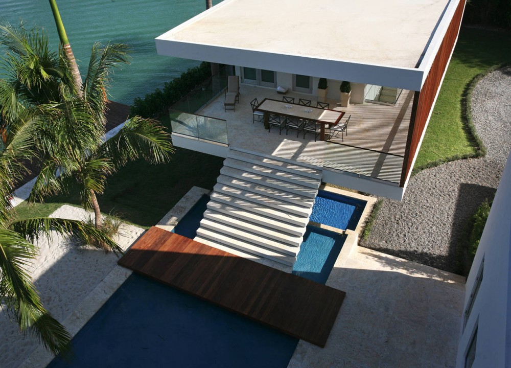 Guest House, Contemporary Home in Miami Beach, Florida