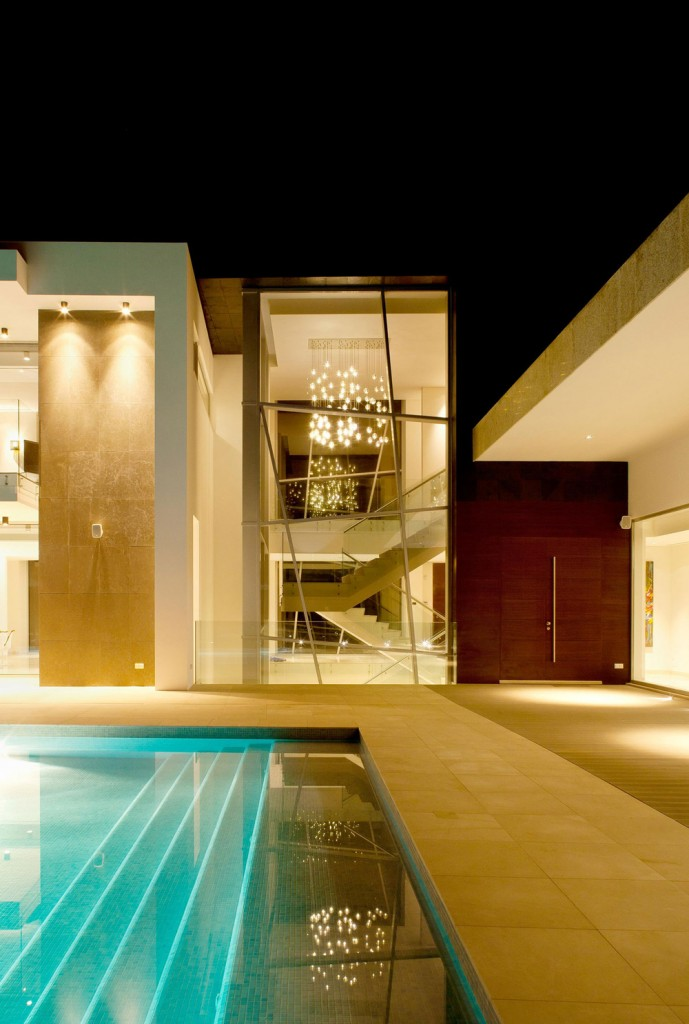 Glass Walls, Pool, Family House in Portugal