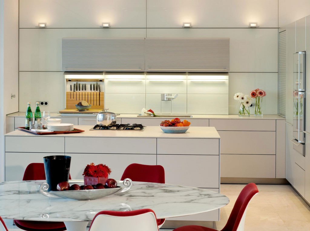 Marble Dining Table, Kitchen, Family House in Portugal