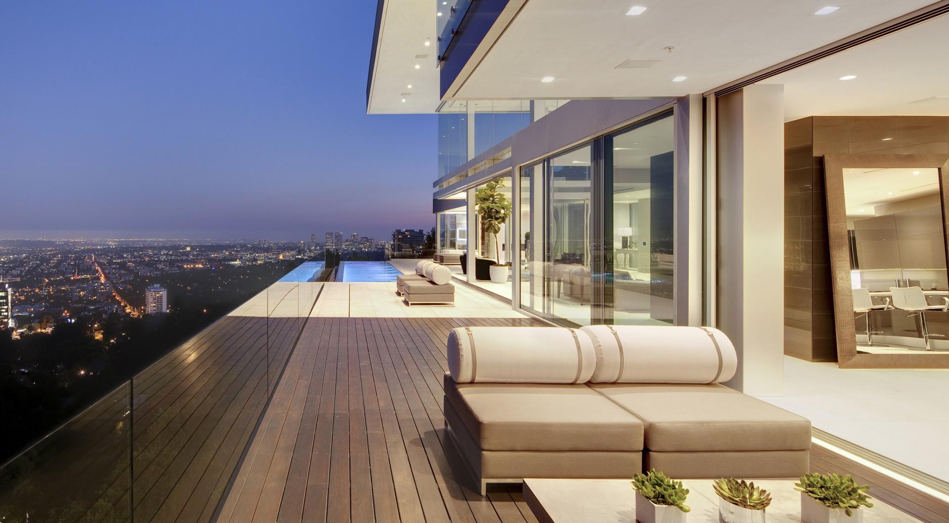 Wood Terrace, Pool