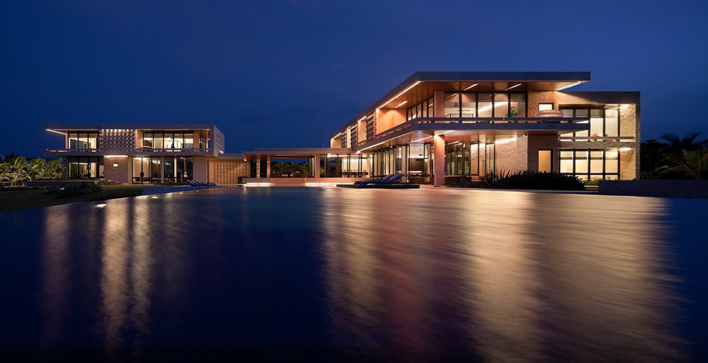 Casa-Kimball-Evening-Pool-Lights