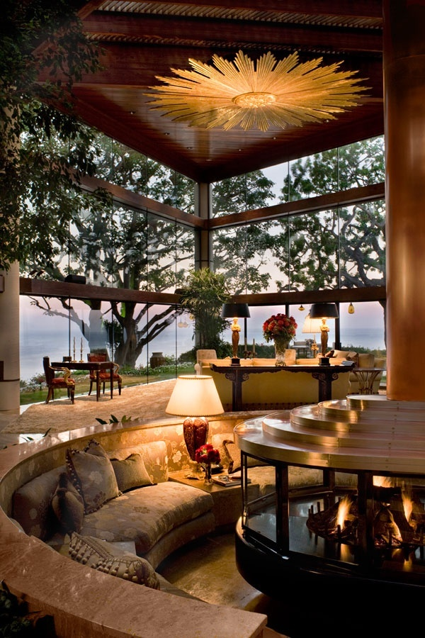 Circular Seating & Fireplace