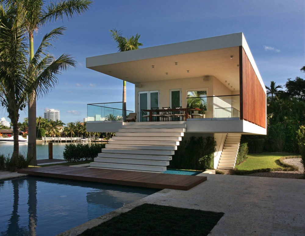 Guest House Contemporary Home In Miami